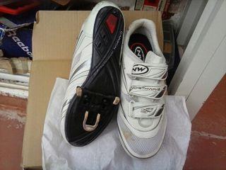 zapatillas de ciclista talla 42
