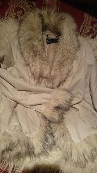 abrigo sin estrenar de pelo muy calentim precio ne