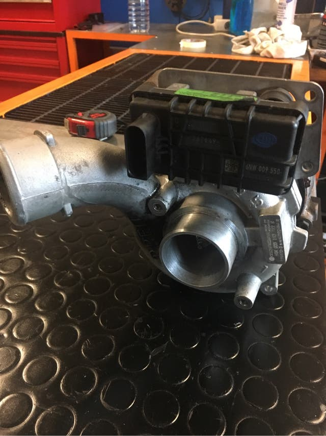 Turbina Audi A6 4F