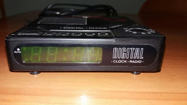 Radio reloj despertador