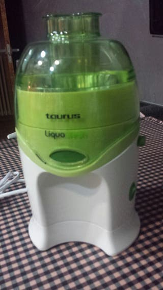 Extractor zumos Taurus.
