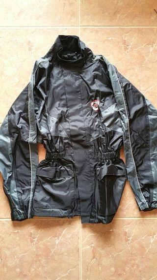 Impermeable de moto marca SUOMY