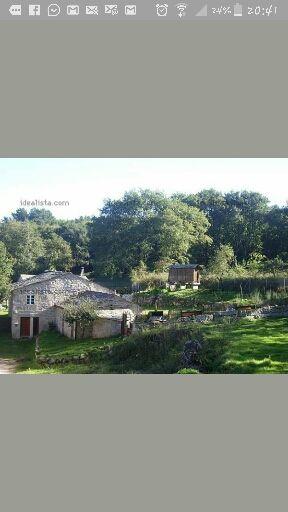 Vendo casa de piedra con una ectarea de trrreno a 8 kms del camino de Santiago.