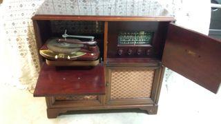 ANTIGUO MUEBLE RADIO TOCADOSCOS ZENITH DE 1950.