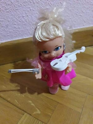 Barriguitas violista muñeca