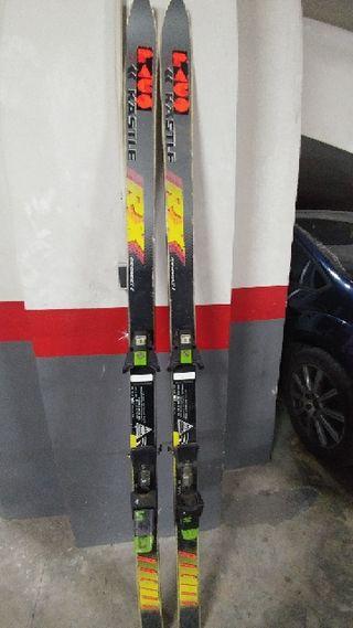 Esquís + palos de regalo