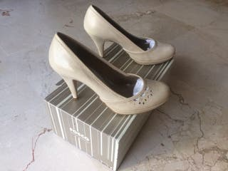 Espectaculares Zapatos nuevos talla 39