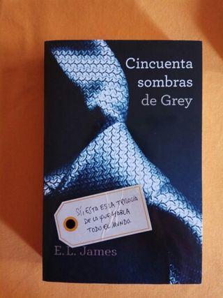 """Libro """"cincuenta sombras de Grey"""""""