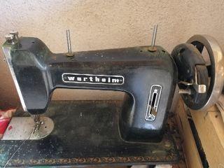 Màquina de cosir / coser