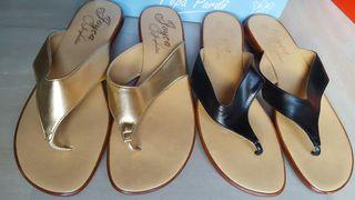 Sandalias Doradas y Negras