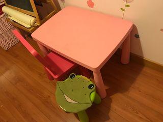 Mesita infantil con silla y ta