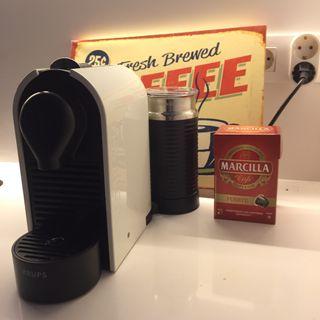 Cafetera Nespresso (2015) Krups Umilk con espumador leche