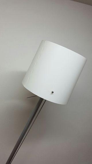 se vende lampara de pie