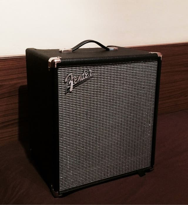 Amplificador bajo Fender Rumble 100 Bass Combo