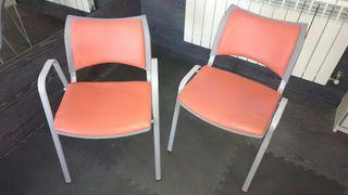 2 sillas de oficina o despacho