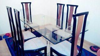 Se vende mesa de cristal y 6 sillas!