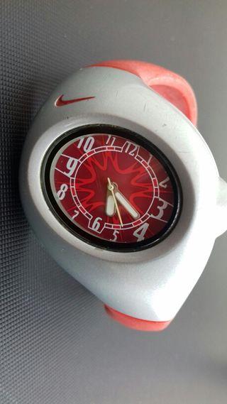 Nike Reloj pulsera rojo