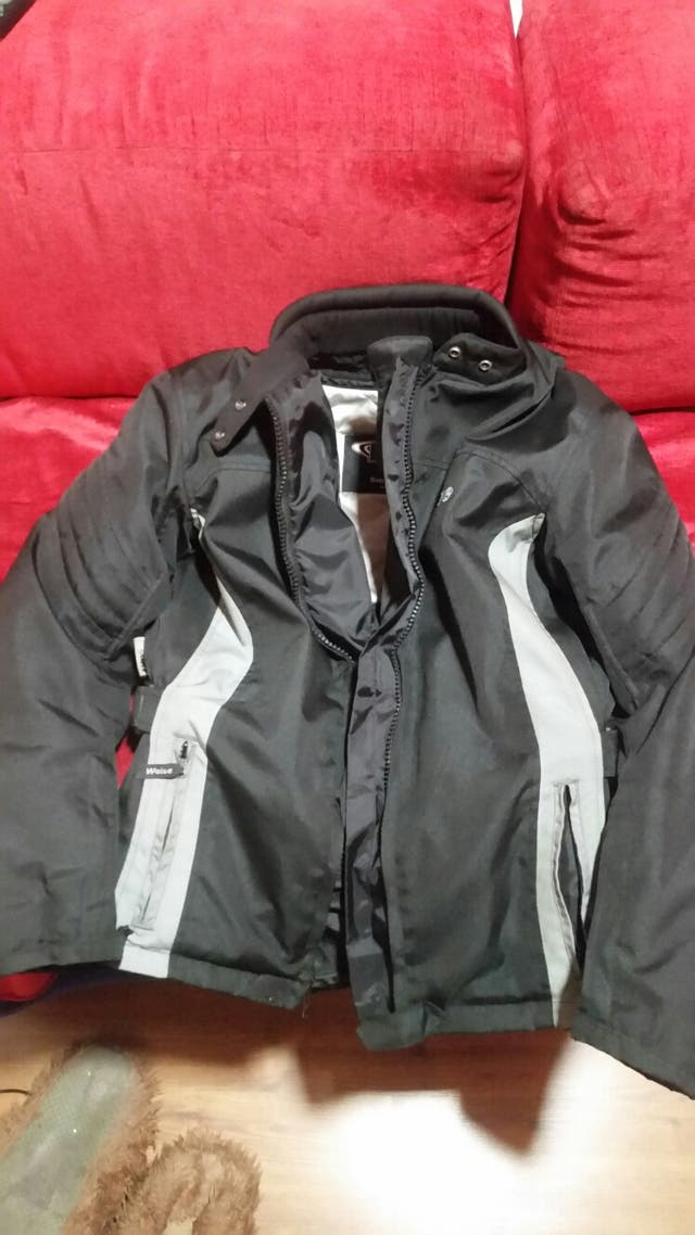 chaqueta moto con protecciones