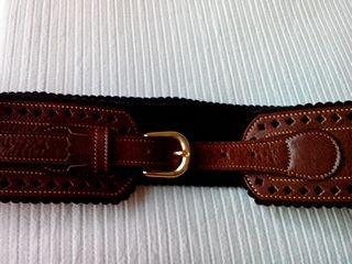 Cinturón de mujer ancho de segunda mano en WALLAPOP 9d5cd30c77ab