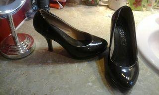 Zapatos marrón charol una sola puesta