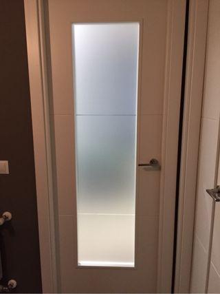 Vinilo para cristal puerta. Mamparas ducha. Cocina