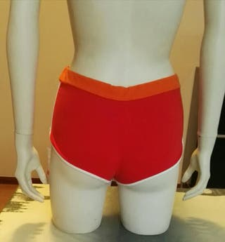 Shorts sexy Stradivarius rojo naranja neon talla m