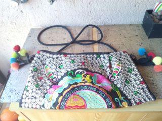 Bolso bordado nuevo