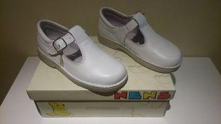 Zapato de piel color blanco, niño número 29