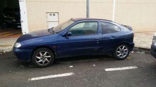 megane coupe año 2000. Gasolina. 1.4 A/A etc.....