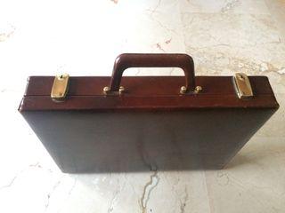 Precioso maletín de cuero