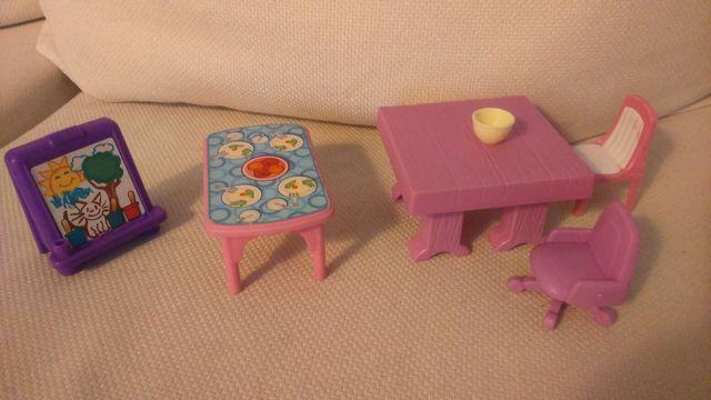 Muebles casita muñecas