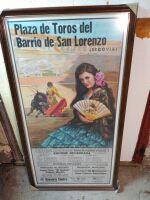 2 carteles de toros con marco