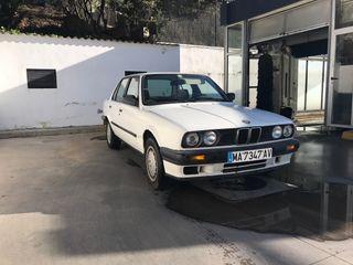 BMW 318 i e30