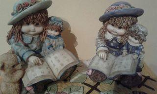2 muñecas deco racion de 22 cms.