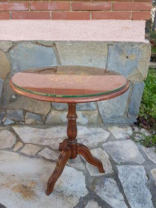 mesa pequeña de buena calidad