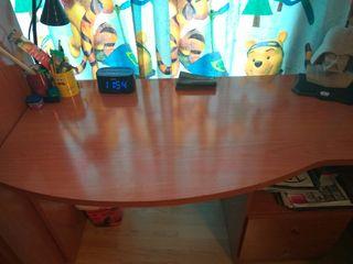 Mesa escritorio de segunda mano por 40 en ciudad jardin for Wallapop mesas