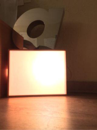 Lámpara con caja de vino
