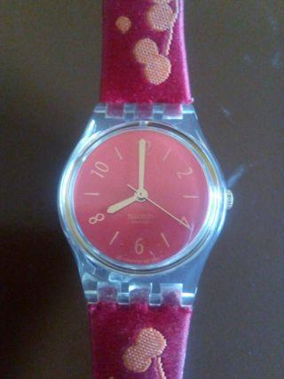 Reloj de pulsera de mujer marca Swatch
