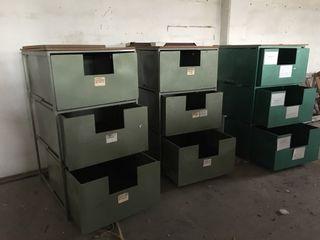 cajones, armario , estanterías