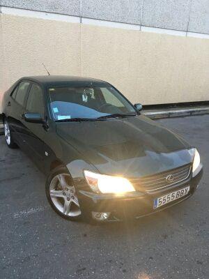 Lexus IS 2002