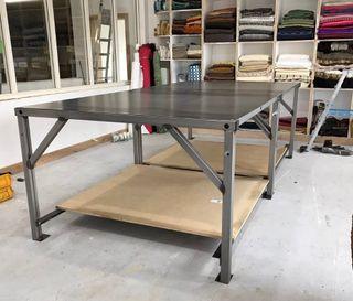 Taller y mesas de corte