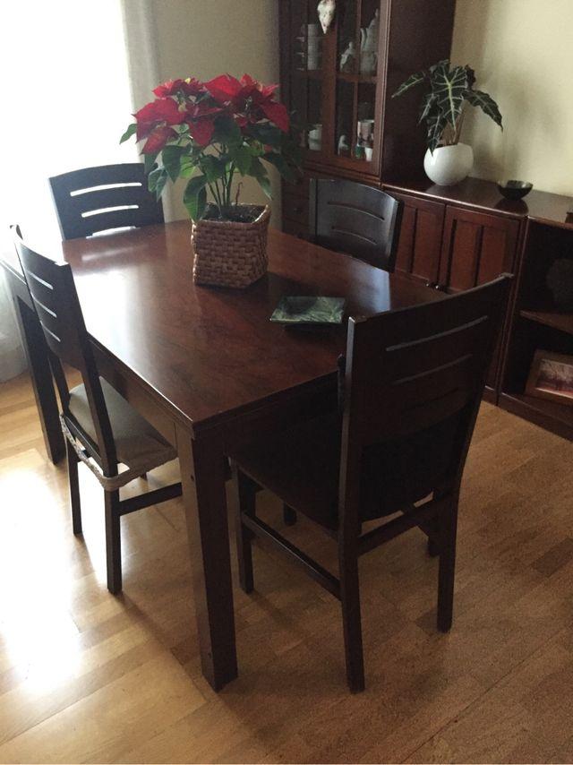 Mesa comedor. Regalo 4 sillas