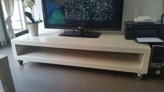 Mueble Tv con ruedas