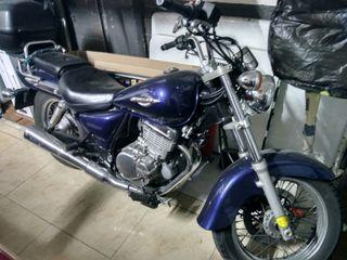 Moto Suzuki Marauder 250