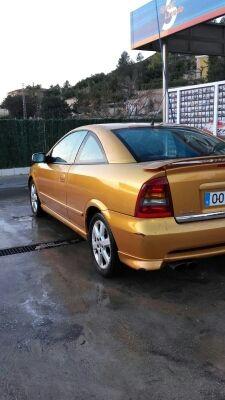 Opel astra coupé 2.2 16v 147 bertone edition 2p