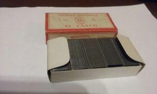 Antigua caja de grapas