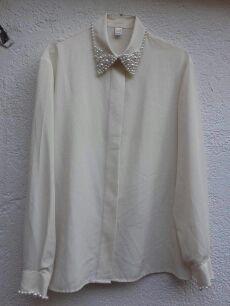Camisa con perlas