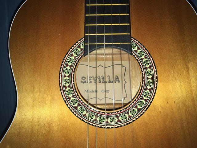 Guitarra española Sevilla