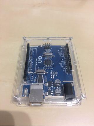 Arduino con caja metacrilato