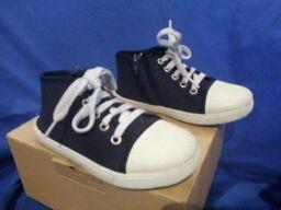 Zapatos niño talla 28 a 29 + regalo